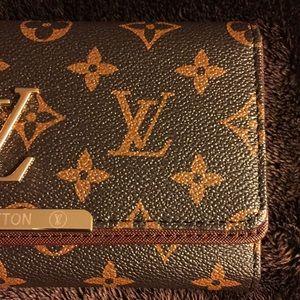 Handbags - ✔️FLASH SALE - WALLET!